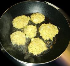 Falafel goldbraun anbraten